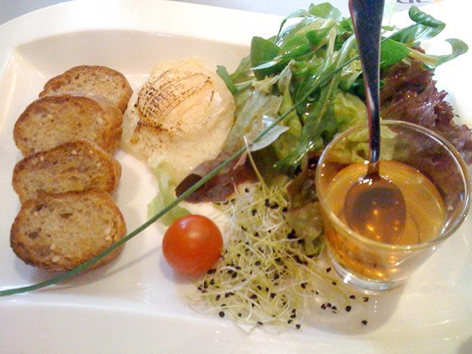 Kudeta - goat cheese salad