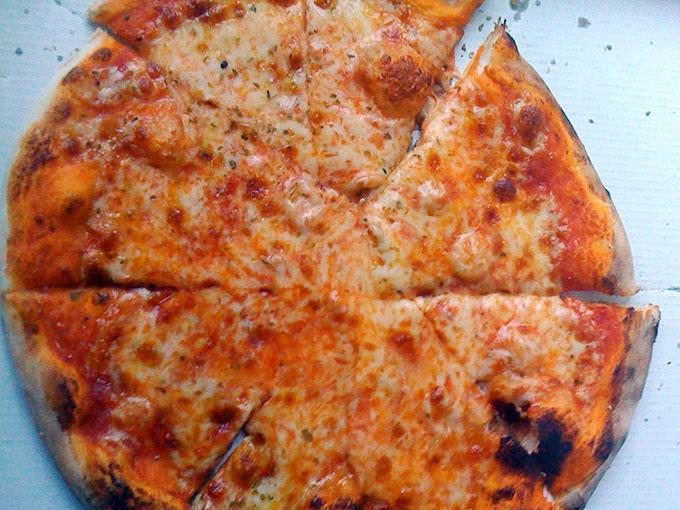 Il Forno a Legna - margherita pizza
