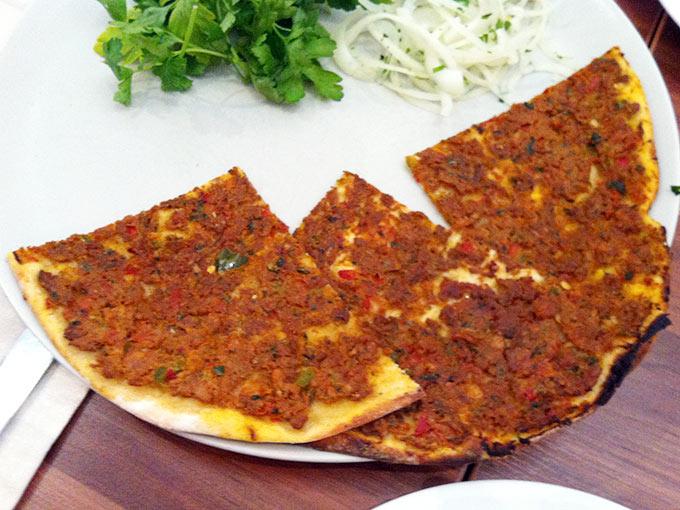 Mediterranean Grill - lahmacun