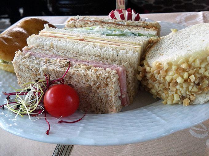 Hôtel d'Angleterre - finger sandwiches