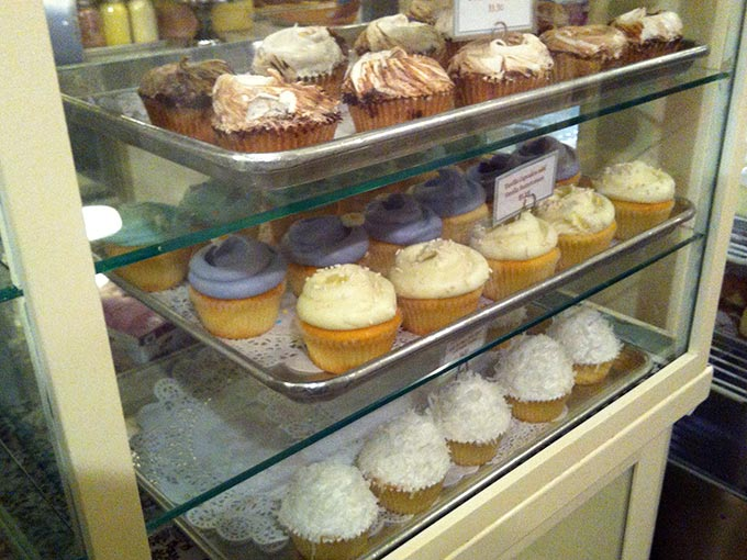 magnolia-cupcakes-3