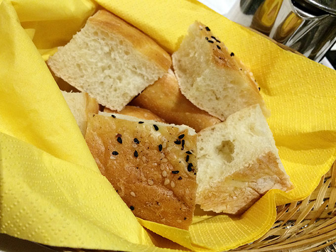 Kutchi restaurant - bread