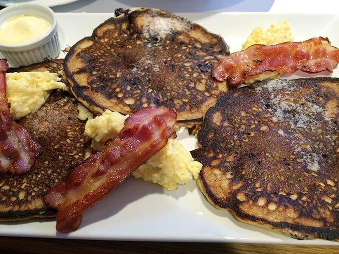 Vinnie's Café - American breakfast