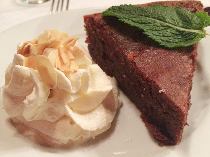 Le 49 Rhône - chocolate cake