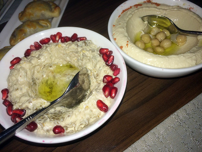 Yomo Lounge - hummus and baba ghanoush