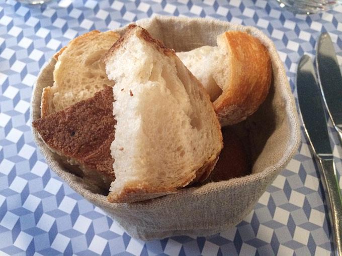 Café de la paix - bread