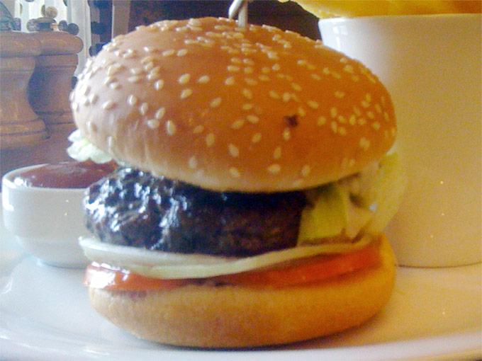 Café Latitude - burger