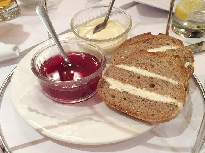 Café du Centre - bread