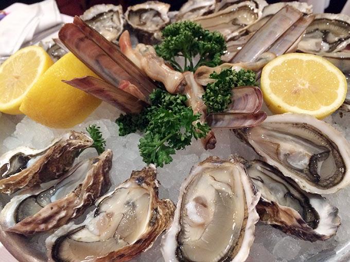 Café du Centre - oysters