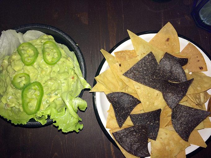 El Catrin - tortilla chips and guacamole