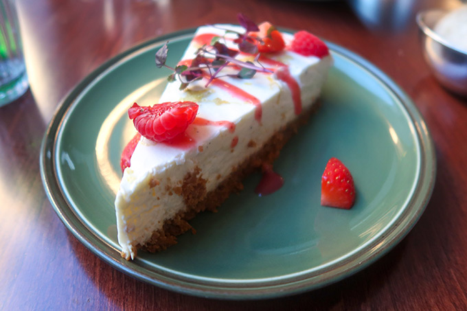 Bombar restaurant - cheesecake